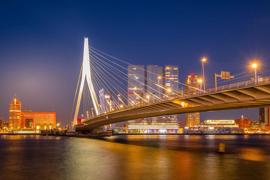Avondopname Erasmusbrug Rotterdam © Jurjen Veerman