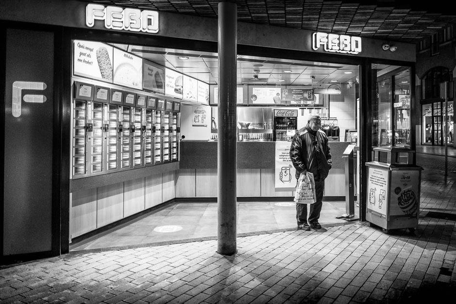 Groningen at night - Street photography © Jurjen Veerman