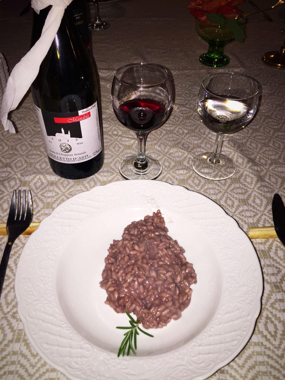 Cascina Blon でのディナー 赤ワインのリゾットローズマリー添えとドルセット ダスティ