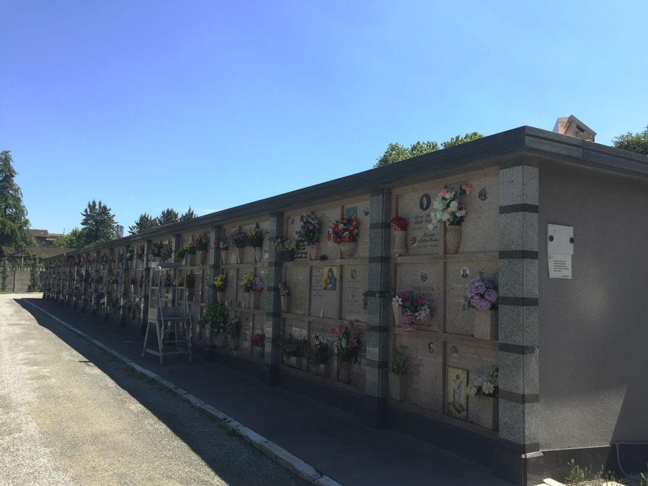 集合住宅的な作りも ミラノ記念墓地