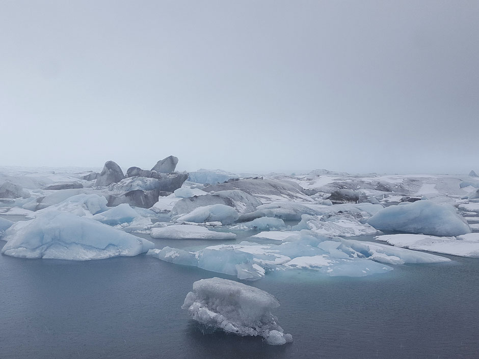 Jökulsárlónヨークルスアゥルロゥン湖 (Glacier Lagoon)アイスランド最大の氷河湖