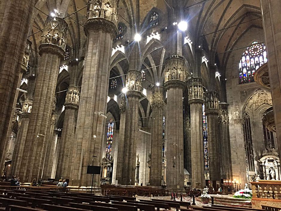 ミラノの大聖堂内