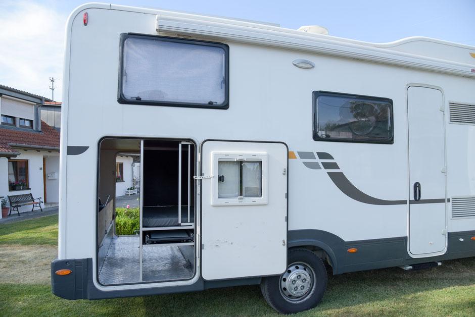 individuelle umbauten pfotencamper wohnmobil f r hunde zum mieten und kaufen. Black Bedroom Furniture Sets. Home Design Ideas
