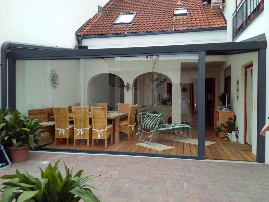 terrassendach terrassendach lamellendach sichtbeton. Black Bedroom Furniture Sets. Home Design Ideas
