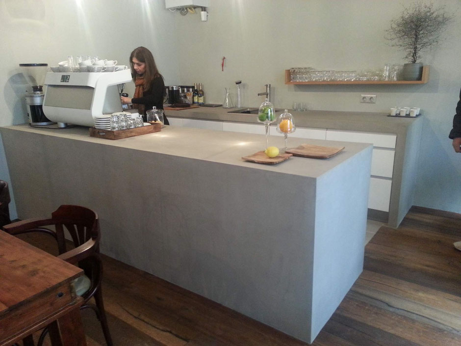 Bar im Betondesign  - in Betrieb