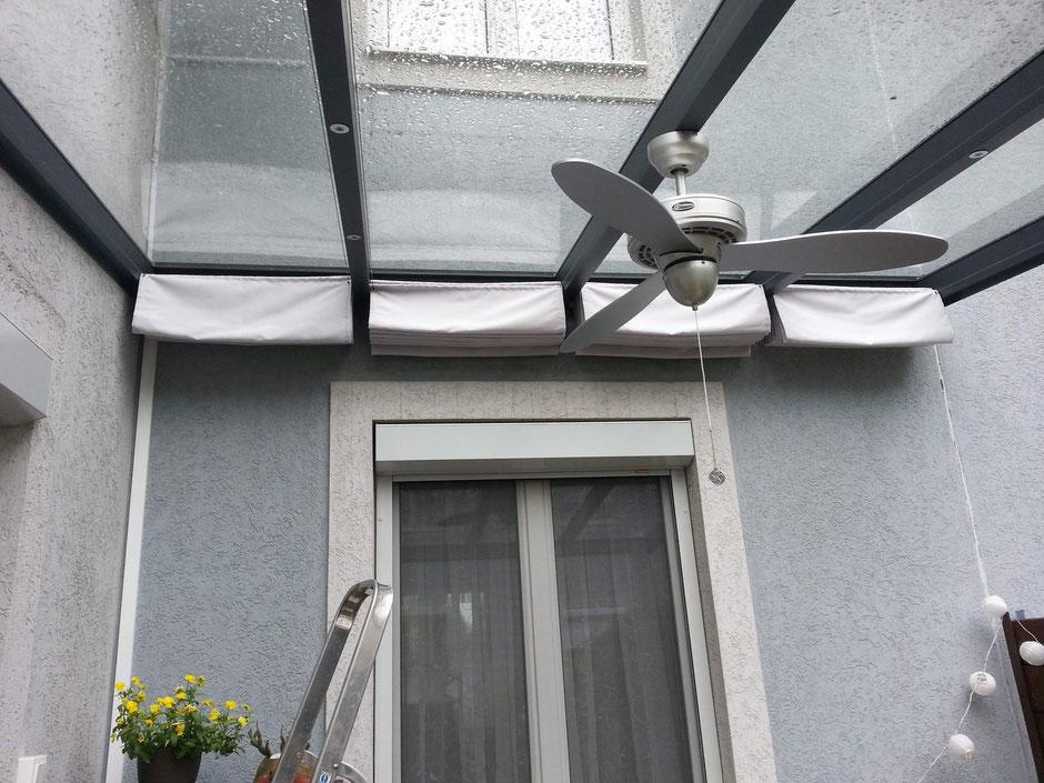 Terrassendach PRIMA mit Glaseindeckung und Wolkenbeschattung sowie Ventilator