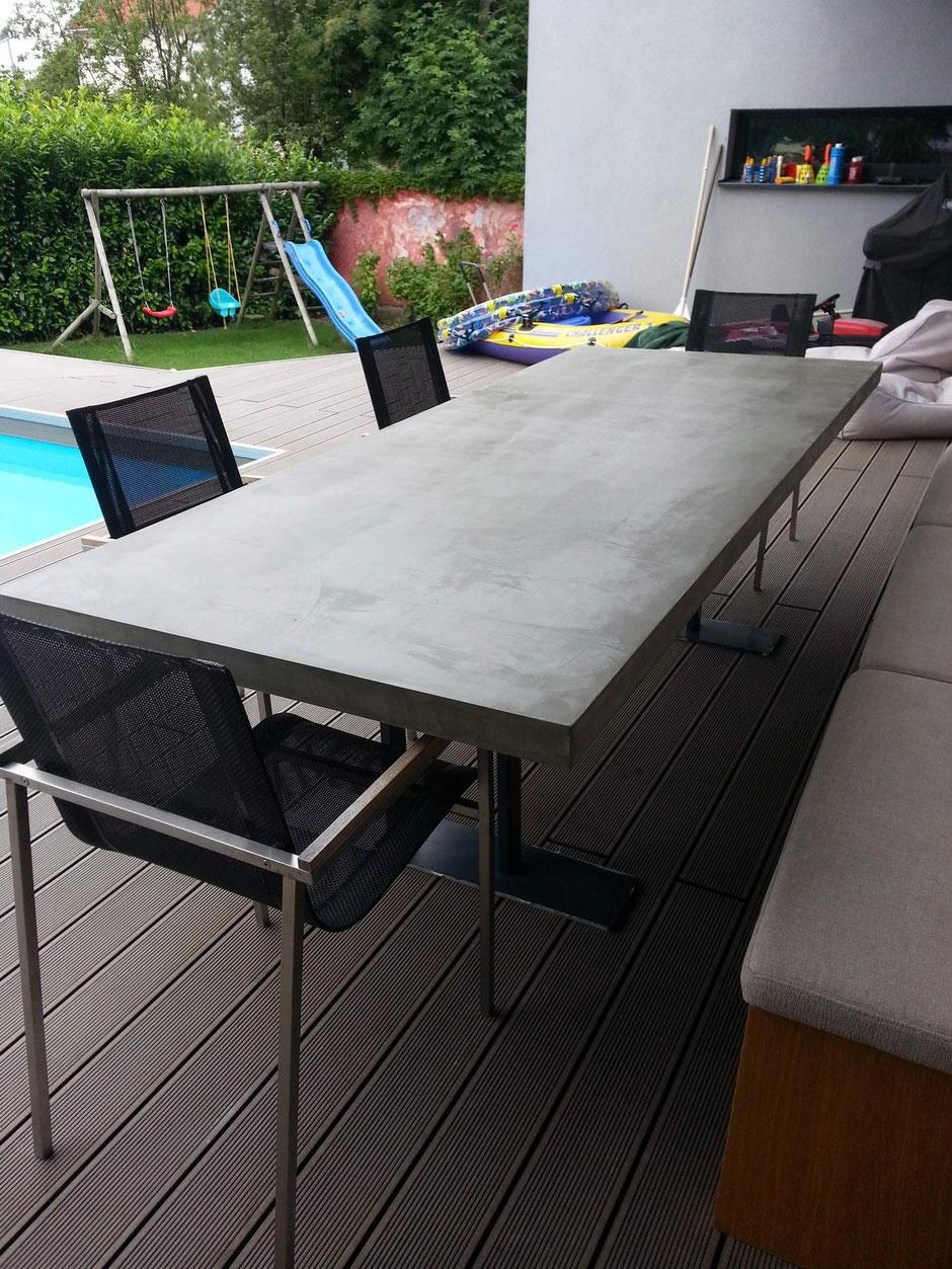 Tischplatte mit Beton Cire beschichtet