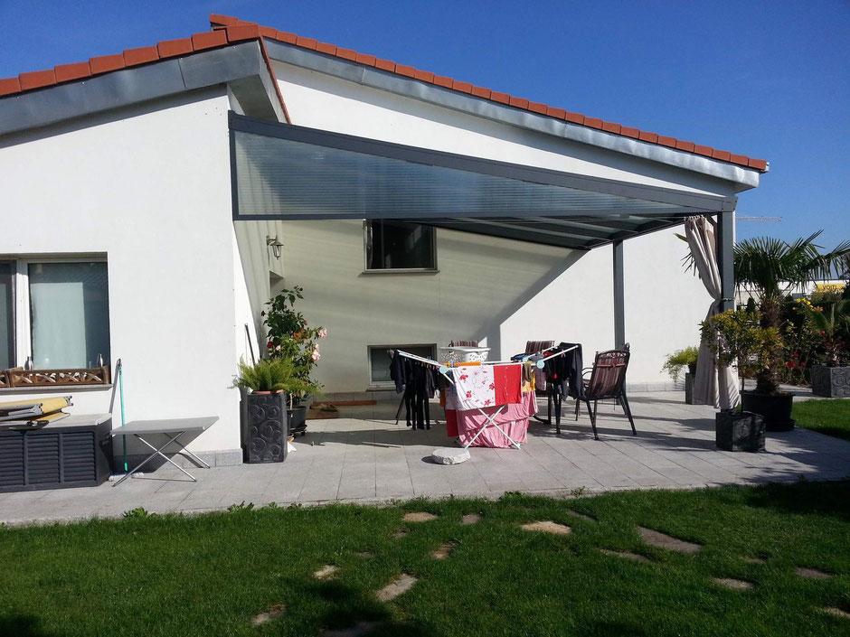 Terrassendach mit Keilfenster