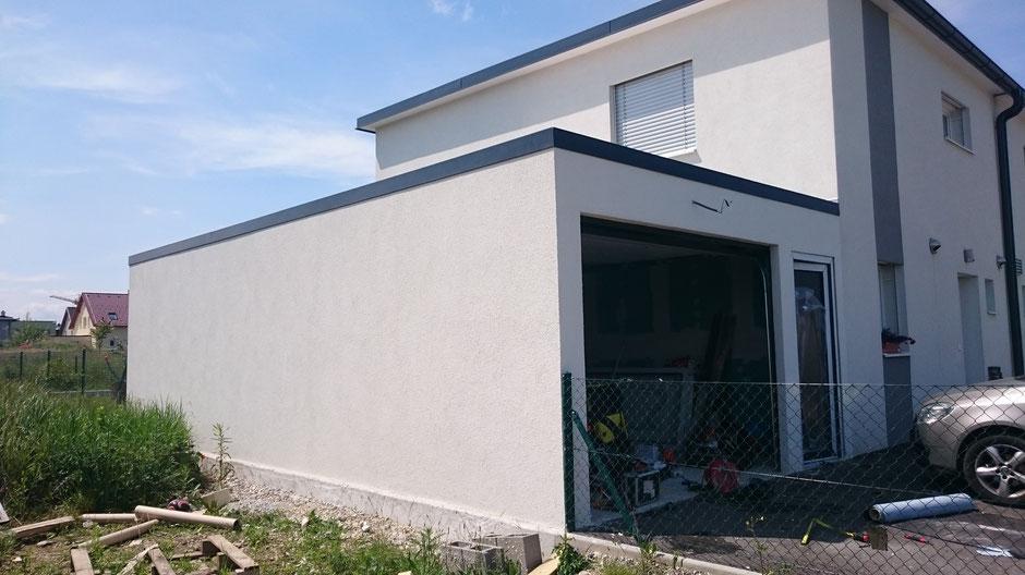 varioraum als doppelgarage mit anbauraum terrassendach lamellendach sichtbeton. Black Bedroom Furniture Sets. Home Design Ideas