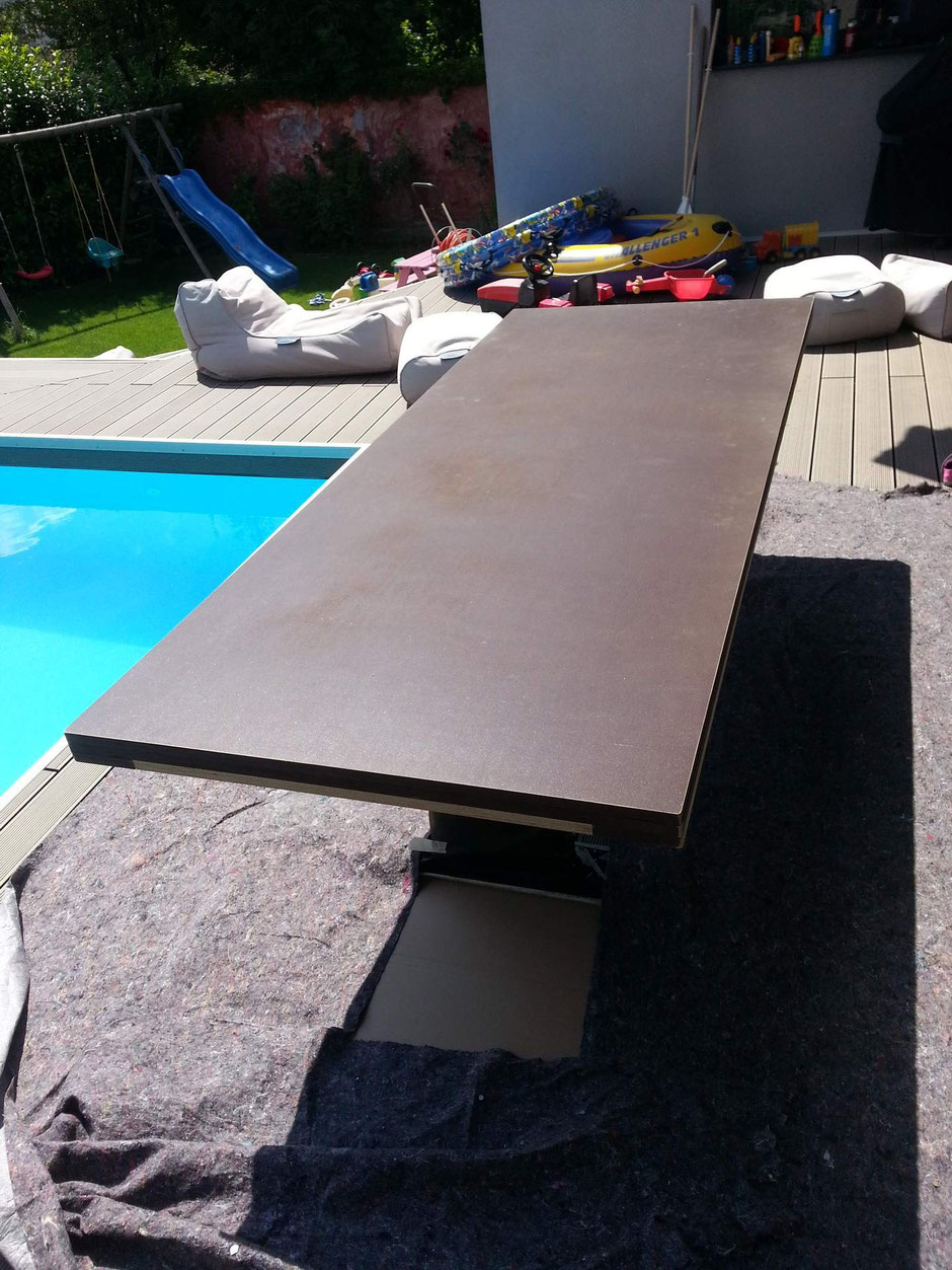 Tischplatte vor der Beschichtung mit Beton Cire