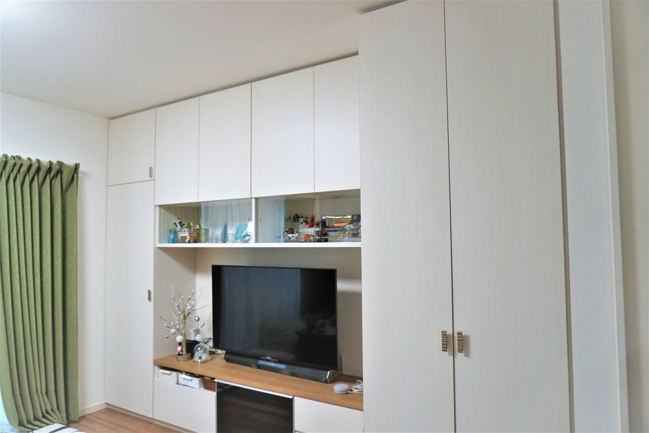 リビング壁面収納 オーダー家具 収納家具 飾棚