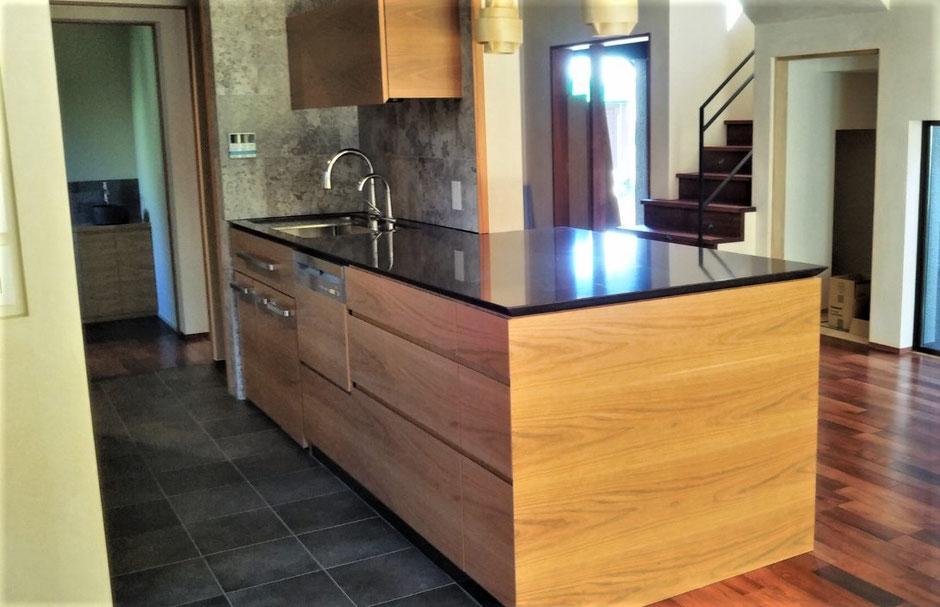 ブラックチェリーのキッチン オーダー家具 木製キッチン