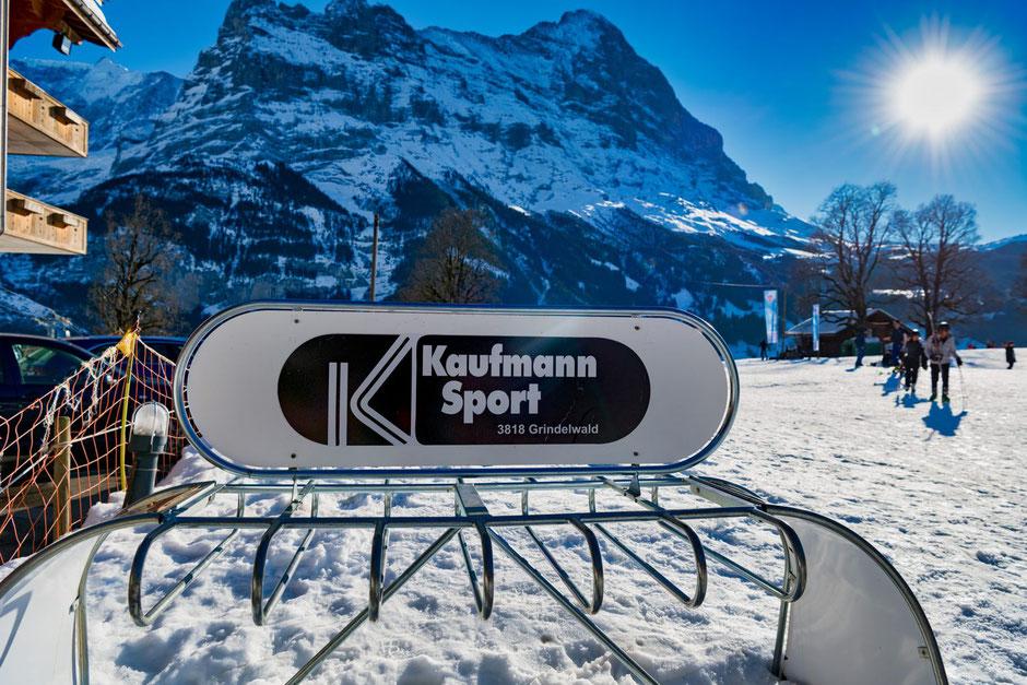 Ausrüstung und Skipasse bei Kaufmann Sport lösen