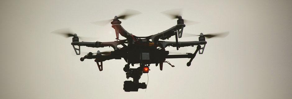 Eine unserer Drohnen bzw. Unbemannte Luftfahrzeuge/unmanned aerial vehicles/ULFz/UAVs: DJI F550 mit GoPro Hero 4 Black (Archaeo Perspectives 2016)