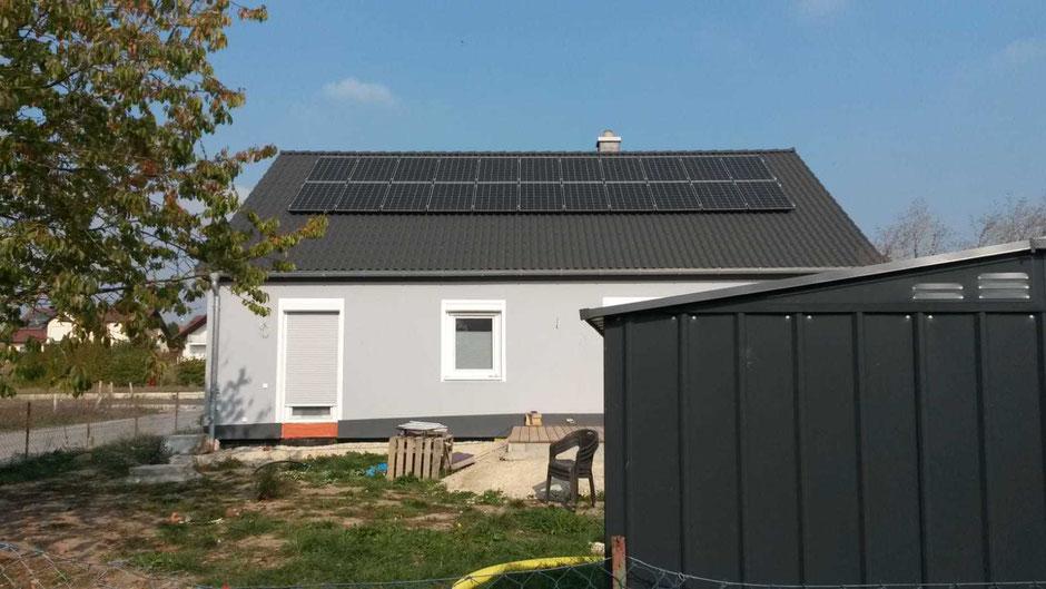 Die Stromkosten mit einer PV-Anlage reduzieren und einen Stromspeicher ggf. nachrüsten.