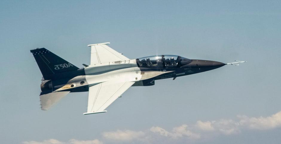 Il primo volo del T-50A avvenuto a Sacheon, Corea del Sud (Foto: Lockheed Martin)