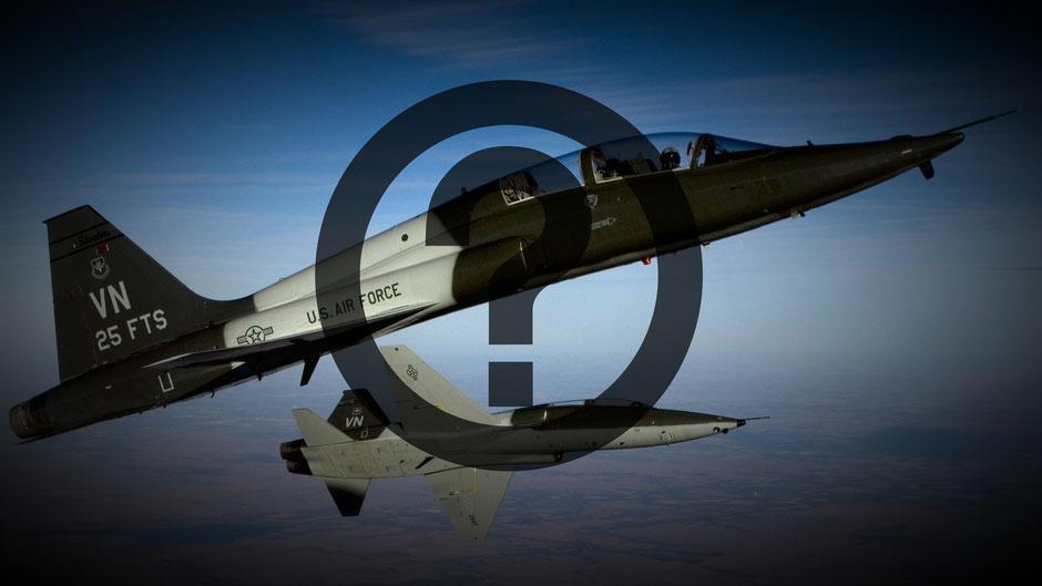 """Il Northrop Grumman T-38 """"Talon"""" spina dorsale dell'addestramento avanzato dei piloti USAF verrà sostituito per sopraggiunti limiti di età. (Foto: USAF/ elaborazione AeroStoria)"""