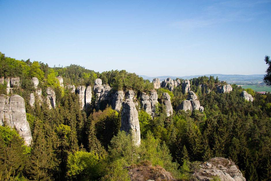 Hiking Hruba Skala to Valdstejn Castle with Kids in Bohemian Paradise