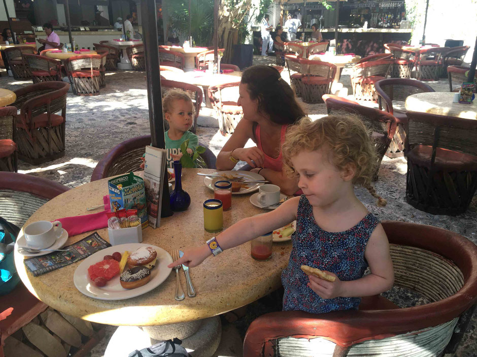 Tips for taking your kids to Xcaret, Mexico - Food and Beverage = La Orquídea Coffee Shop
