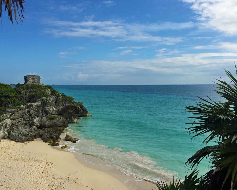 How to Easily Visit the Best Mayan Ruins - Tulum - Caribbean Sea Beach