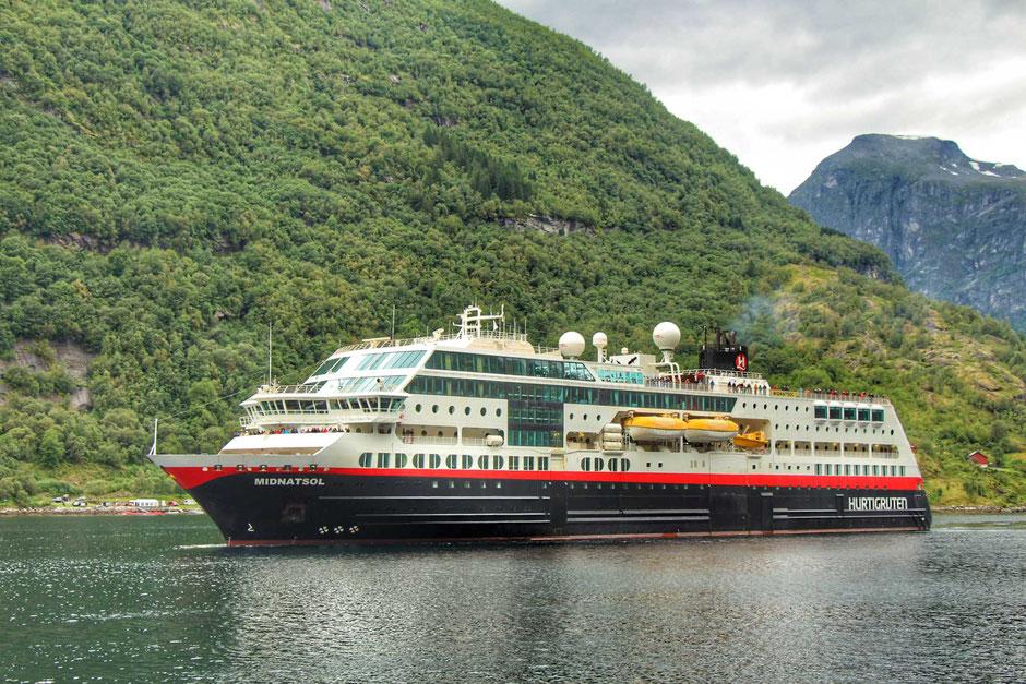 Hurtigruten to Geirangerfjord