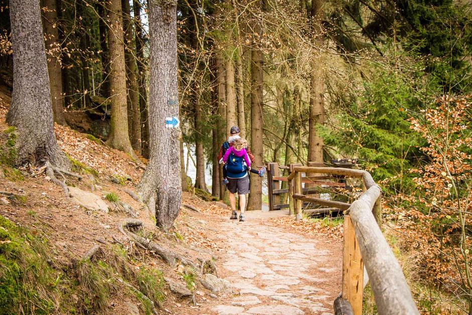 Hiking Karlovy Vary to Loket with Children