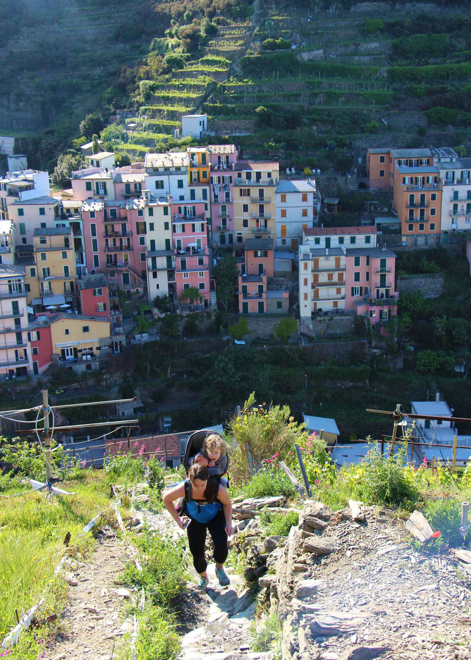 How to Hike Cinque Terre with Kids -Manarola to Cornigila - a great butt workout!