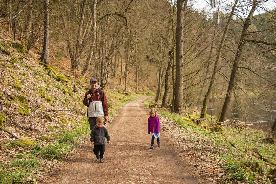 Hiking Biking trail from Karlovy Vary to Loket