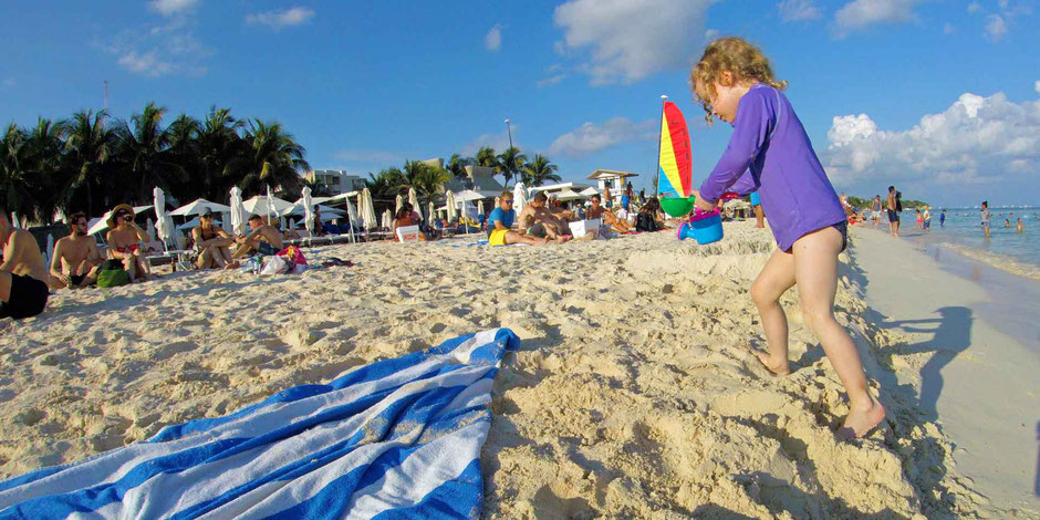6 Best Public Family Beaches in Playa del Carmen - Off Resort - Playa Mamitas - Can Get Crowded