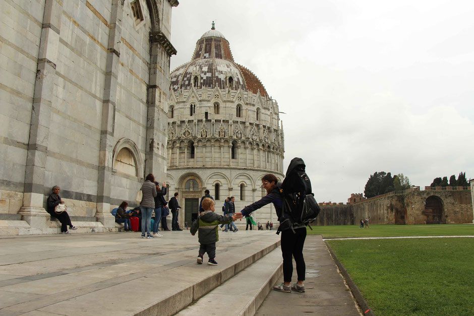 Piazza dei Miracoli with a toddler