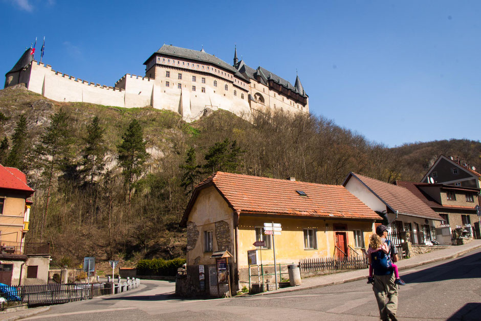 Walking up to Karlstejn Castle with Kids