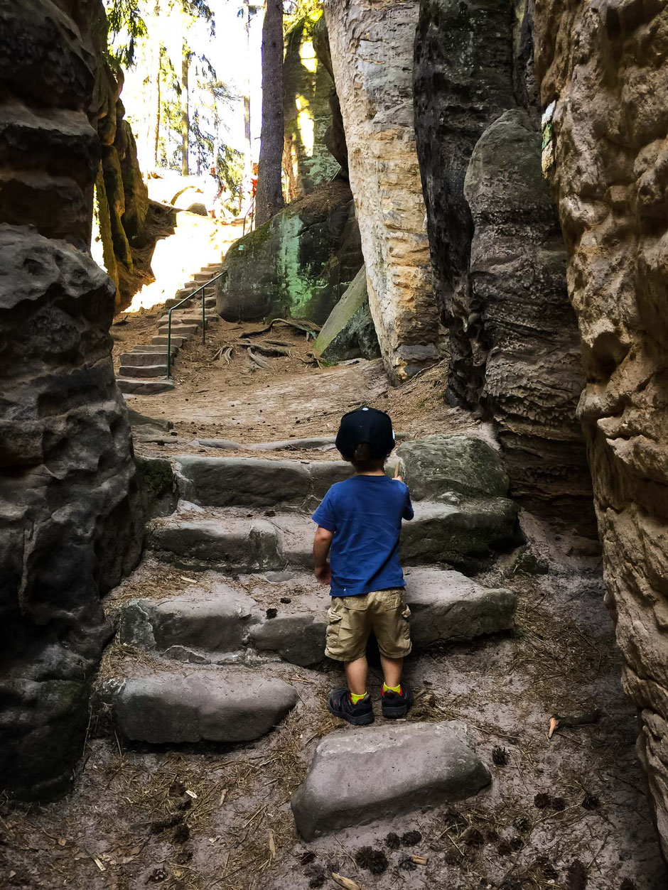 Prachovske Skaly in Bohemian Paradise with a toddler