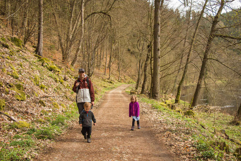 Hiking Karlovy Vary to Loket with Children