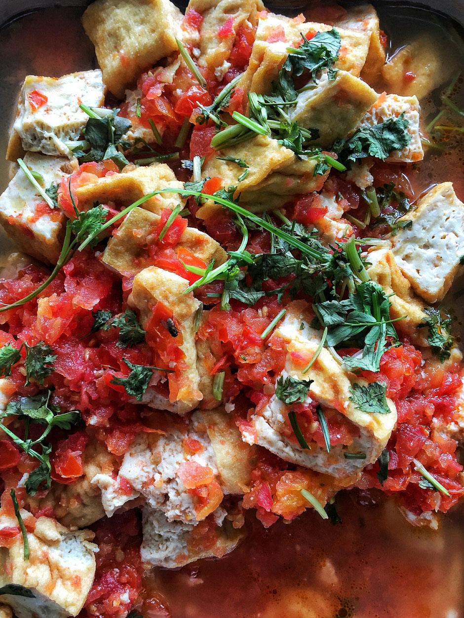 Tofu gebraten Tomatensoße