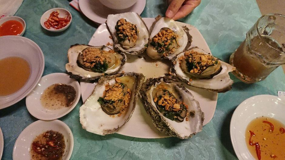 Vung Tau - niemals Winter – Ly und Heiko vom Viethouse in Vietnam - gegrillte Austern – Seafood - Restaurants – Essen – Tipp für den Urlaub – unbedingt probieren