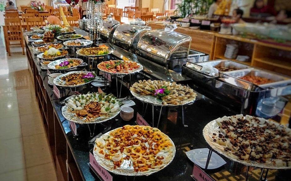 saigon_ho chi minh stadt_hcm_zentrum_bezirk 2_vegetarisch_restaurant_gerichte_speisen_essen_ mondkalender_vegetarisches buffet_ly_heiko_urlaub_vietnam