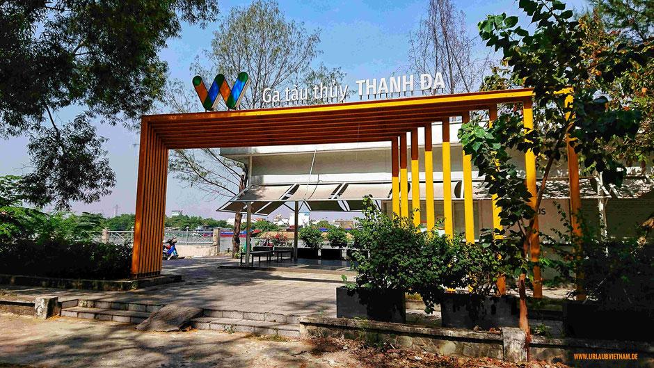 Schiffsanleger der Saigon Waterbus – Flotte in Thanh Da; Zeit zum aussteigen, umschauen und erkunden der Stadt