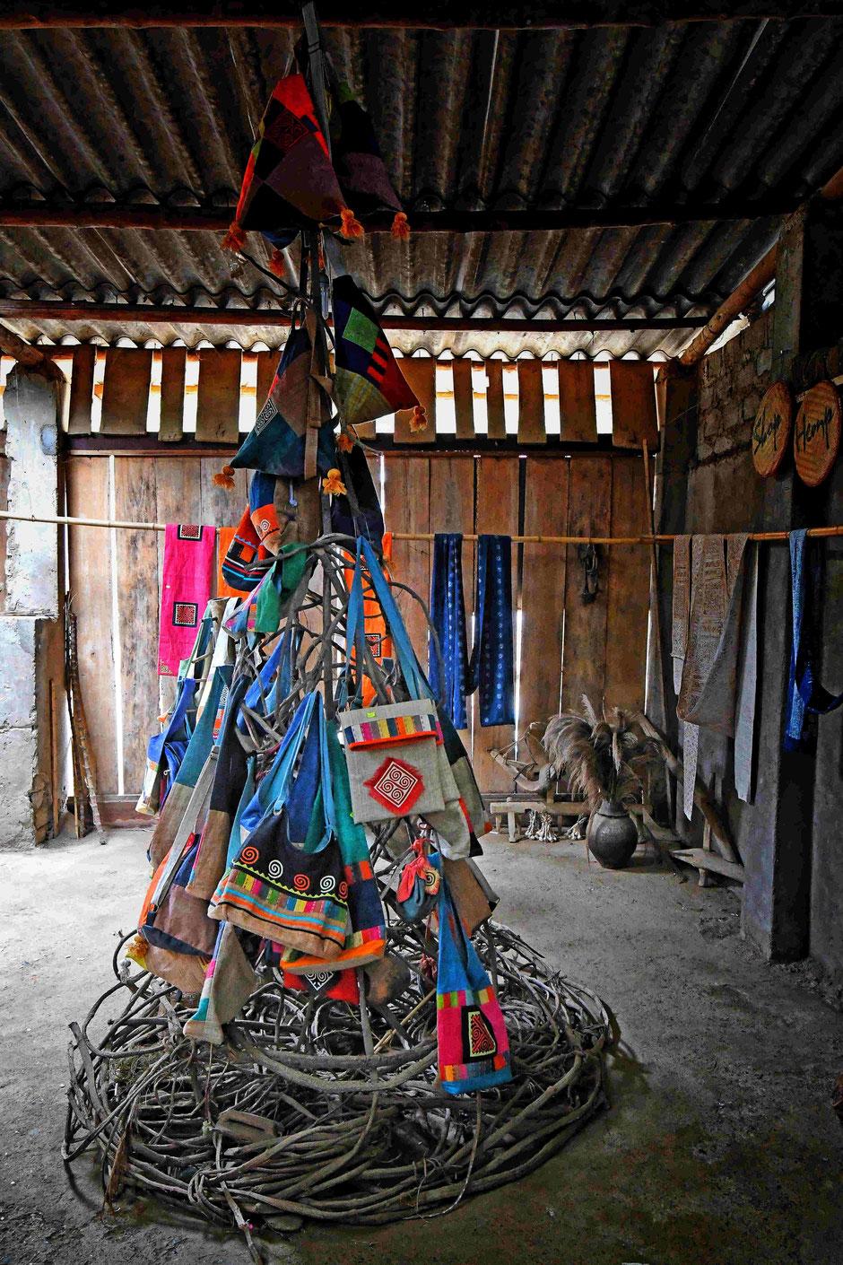 produkte_taeglischer_bedarf_leinen_leinenstoff_tolle_farben_selbsthilfeprojekt_urlaub_vietnam_nordvietnam_heike_adam