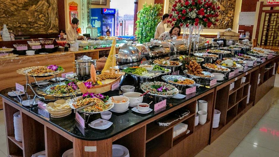 saigon_ho chi minh stadt_hcm_zentrum_bezirk 2_vegetarisch_restaurant_gerichte_frisch_lecker_gefuellt_sauber__vegetarisches buffet_ly_heiko_urlaub_vietnam