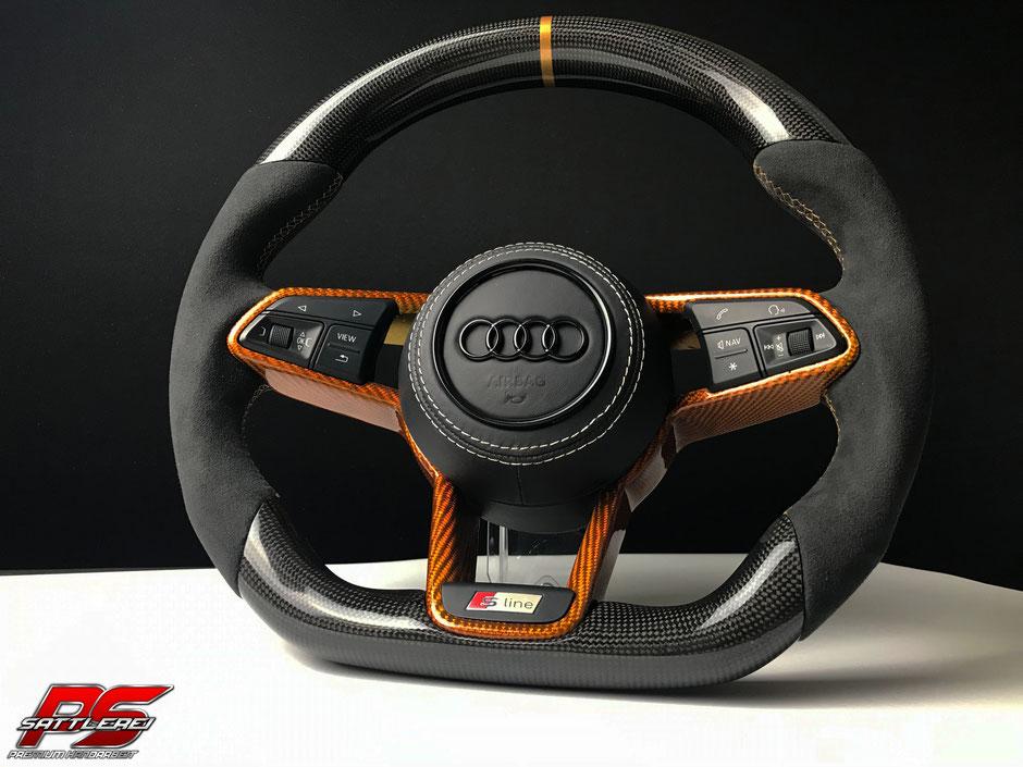 Audi TTRS Carbon Alcantara Lenkrad mit goldenem Carbon