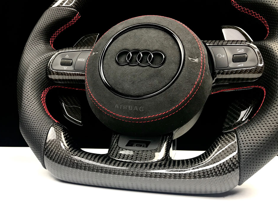 Audi RS3 Carbon Lenkrad Alcantara Airbagabdeckung
