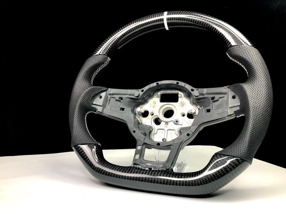 VW Golf 7R GTI Carbon Lenkrad mit weißer 12 Uhr Markierung