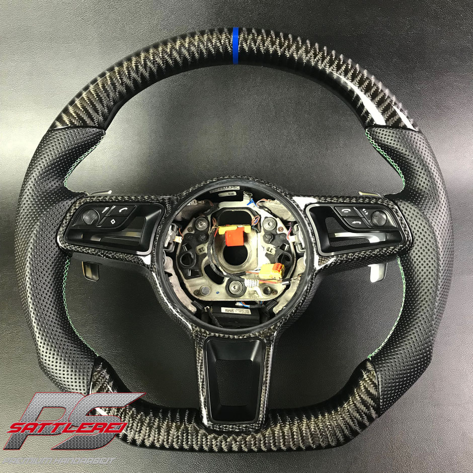 Porsche Cayenne Turbo Carbon Lenkrad
