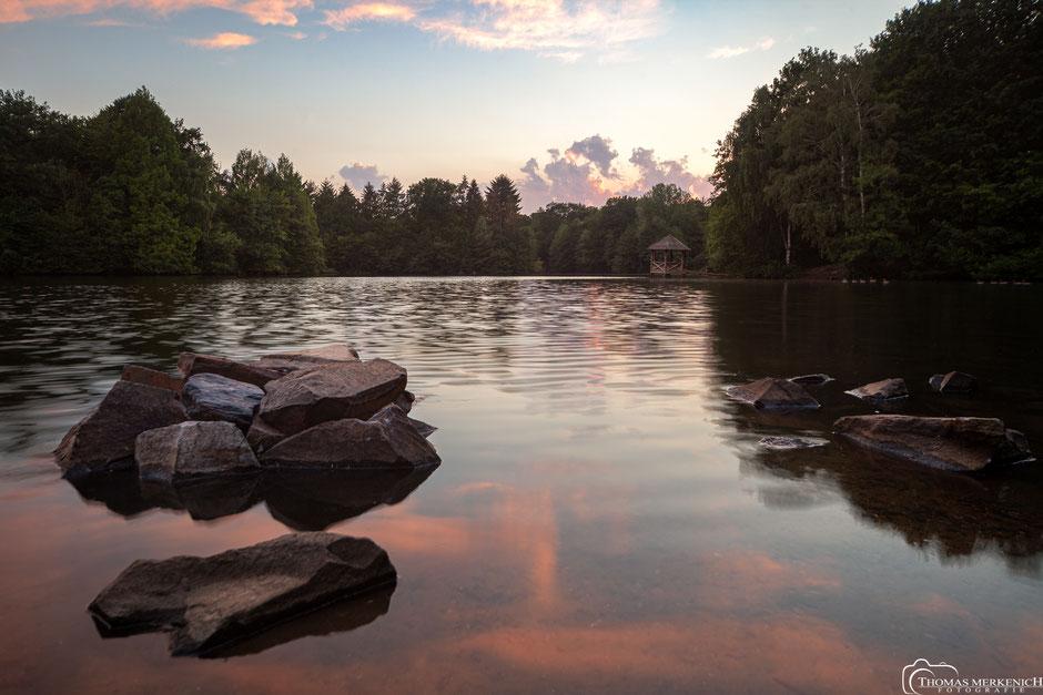 Bensberger See, die Saaler Mühle zum Sonnenuntergang