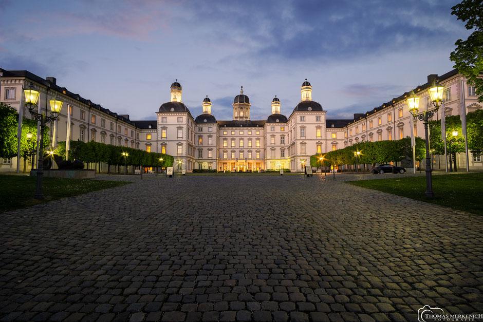 Schloss Bensberg in Bergisch Gladbach, kurz Nach Sonnenuntergang
