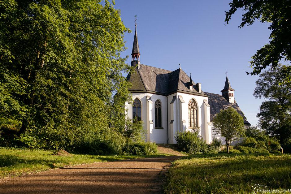 Kirche Sankt Johannes der Täufer in Herrenstrunden