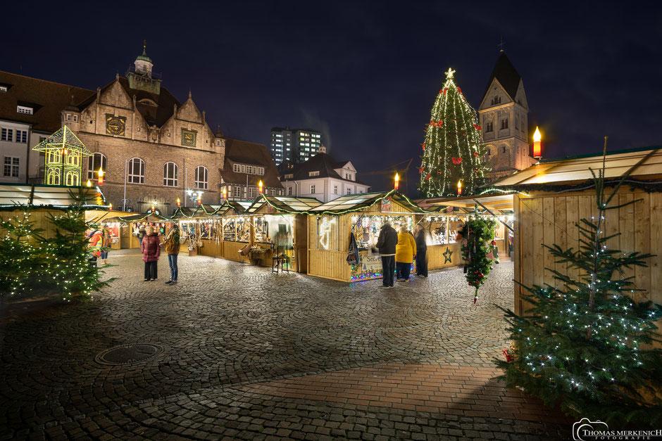 Weihnachtsmarkt auf den Konrad-Adenauer-Platz in Bergisch Gladbach