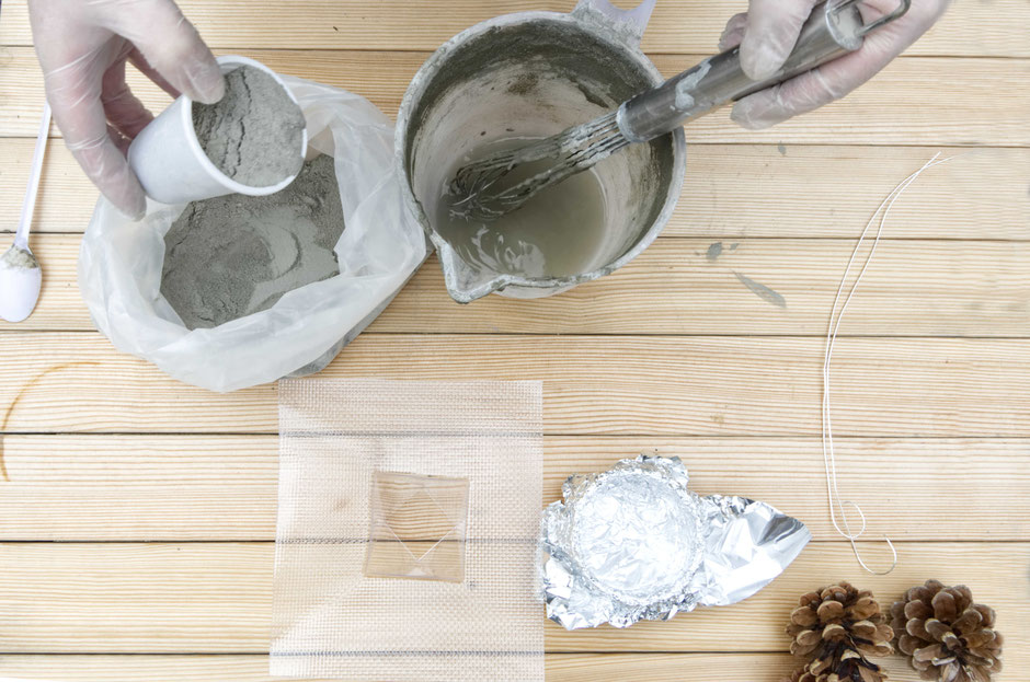 DIY Floating Pine Cone Concrete Tutorial by PASiNGA