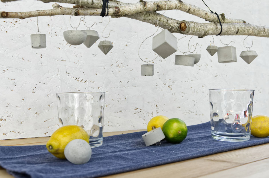 Minimal Table Decor Diy, Party Tablescape Set Up With Geometric Concrete
