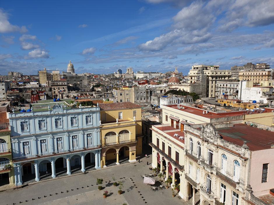 Ausblick vom Camara Oscura über Havanna über den Plaza Vieja bis zum Capitol